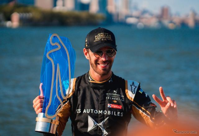 2季連続王者となったベルニュ。《写真提供 ABB FIA Formula E》