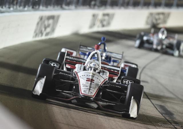 #2 ニューガーデンが深夜のレースを制して4勝目。《写真提供 INDYCAR》