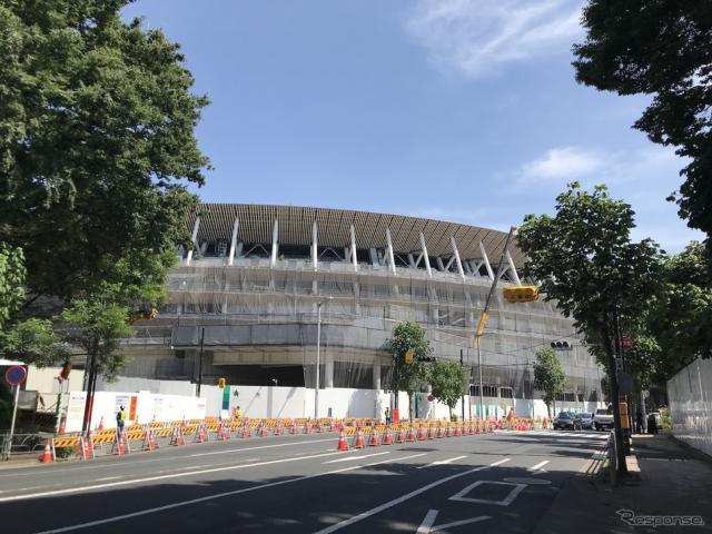 建設中の国立競技場(5月、東京)《撮影 高木啓》