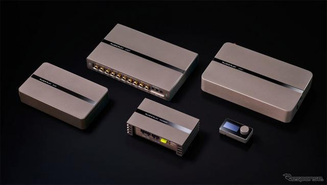 左より、PLUG&PLAY 640、PLUG&PLAY DSP、PLUG&PLAY POWER、PLUG&PLAY COMMAND、PLUG&PLAY 1080《画像:ビーウィズ》