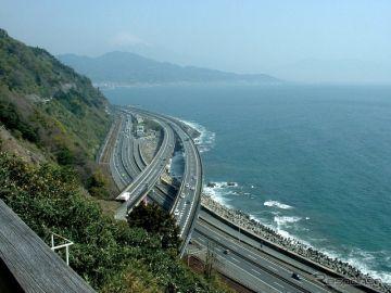NEXCO 3社、消費税増税分を高速道路料金に転嫁