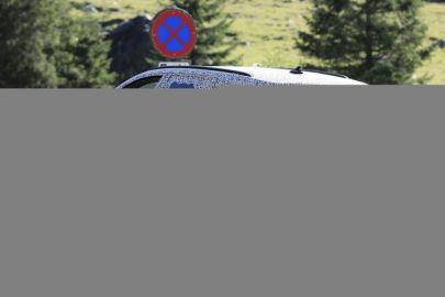 シュコダの高性能ワゴン「オクタビアRS」新型をスクープ!PHEVモデルも?