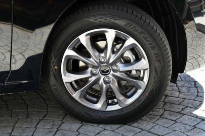 【マツダ2 改良新型】ヨコハマタイヤ「BluEarth-GT AE51」を新車装着