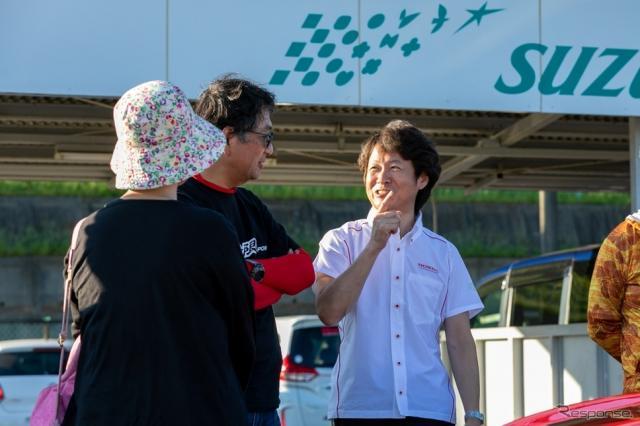 参加者と交流する本田技術研究所の柿沼秀樹氏《写真 上田和則》