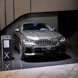 BMW X6 新型、「M50i」は530馬力ツインターボ…フランクフルトモーターショー2019