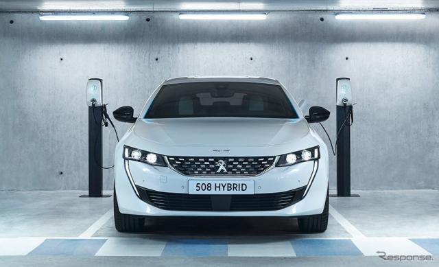 プジョー508ハイブリッド《photo by Peugeot》