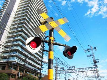「踏切前で一時停止」日本の交通ルールにフランス人は戸惑いも JAF調べ