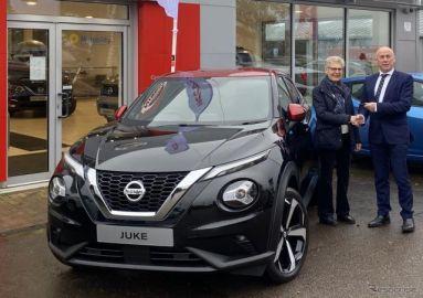 日産 ジューク 新型、欧州発売…第一号車を引き渡し