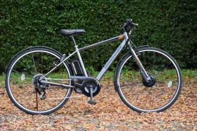 ブリヂストンサイクル、回生充電機能を搭載した電動クロスバイク「TB1e」発売