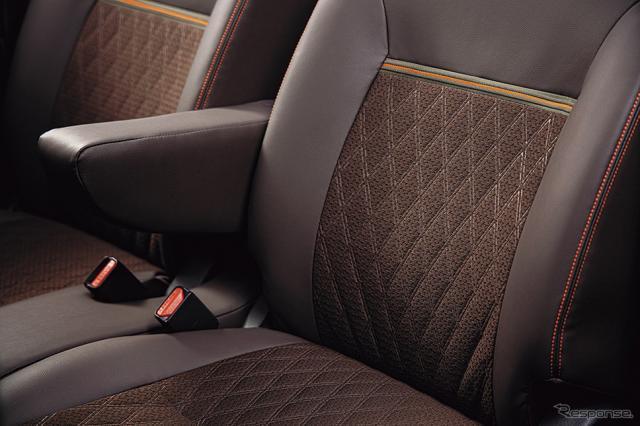 三菱 eKクロス スペース(プレミアムインテリアパッケージ装着車)《画像:三菱自動車》