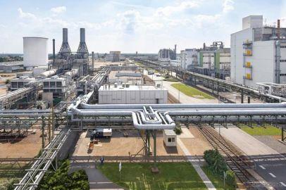 BASF、EV用電池材料の生産拠点をドイツに新設