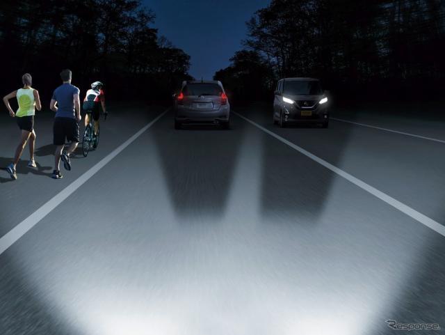 対向車などをカメラが検知し、配光パターンを変える《写真提供 日産広報》