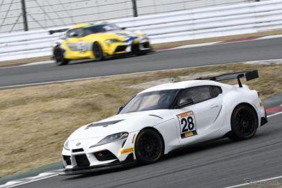 【スーパー耐久】ルーキーレーシングのGRスープラ、GRヤリスが初走行… 公式テスト