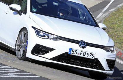 5ポイントLEDはナシ!? VW ゴルフR 新型、333馬力でニュルを激走