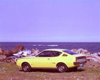 懐かしの日本車が次々と登場する図鑑 時代のニーズとクルマの進化