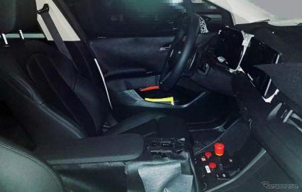 BMW 2シリーズ アクティブツアラー 次期型、運転席を激写!3列シート追加も?