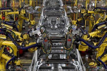 フォードモーターが北米生産を再開へ、FCAは生産再開に向けて準備を加速