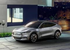 フォードのEV『マスタング・マッハE』、急速充電可能…10分で100km走行分