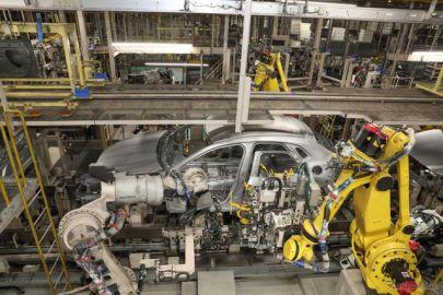 マツダの国内工場、6月は休止せず…メキシコ工場も生産再開へ