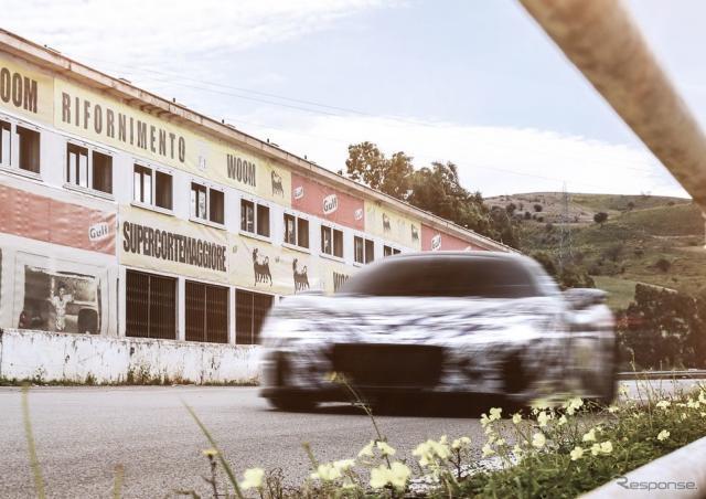 マセラティ『MC20』、最新プロトタイプが「タルガ・フローリオ」で公道 ...