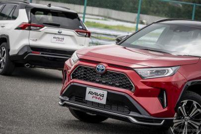 【トヨタ RAV4 PHV】日本発売まもなく…EV走行距離95km、最上位モデルとして登場