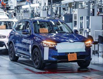 BMWの新型EV『iX3』、最新プロトタイプの画像…今夏生産開始