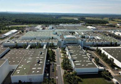 メルセデスベンツ、スマートEVの工場を売却へ…グローバル生産ネットワークを再編