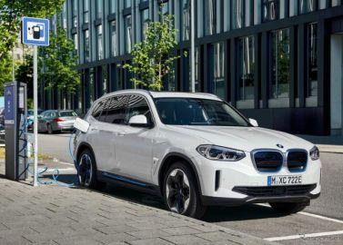 BMWブランド初、EVのSUV『iX3』発表…航続は最大520km