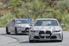 BMW M3セダン&M4クーペ 新型プロトタイプを同時スクープ!巨大グリルの威圧感を見よ