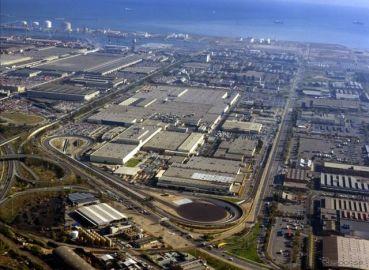 日産、スペイン・バルセロナ工場の閉鎖を延期…2021年末に