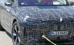 BMWの次世代クロスオーバーEV、その全貌が見えてきた…航続640km、車名は「iX5」か