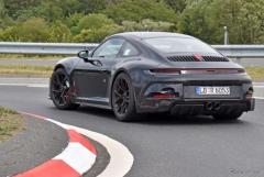 ポルシェ 911 GT3ツーリング が最終テスト…違いはリアスポ!PDKもオプション設定か