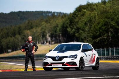 ニュルFF最速車を体感、ルノー・メガーヌR.S.トロフィーR 体験試乗会…全国4か所で開催