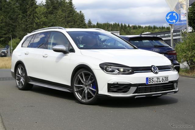 VW ゴルフR ヴァリアント 次期型プロトタイプ(スクープ写真)《APOLLO NEWS SERVICE》