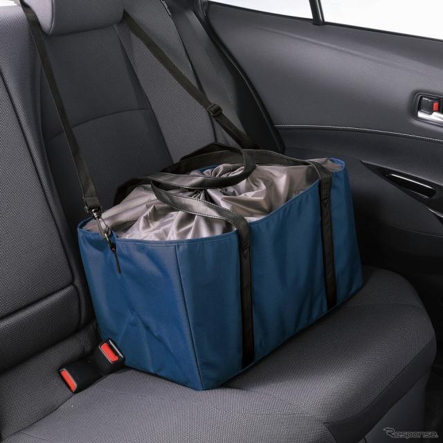 シートに固定できるショッピングバッグ《写真提供 カーメイト》