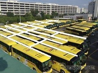 60台のバスで作る巨大バス迷路(イメージ)《写真提供 はとバス》