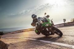 カワサキ ヴェルシス1000SE、ショーワのスカイフックテクノロジーを二輪車初採用