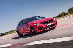 BMW M5 改良新型発売、最高出力600psの高性能モデル 価格は1792万円