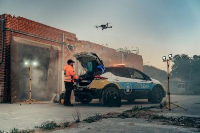 日産、災害復旧支援コンセプトカー『RE-リーフ』を欧州で公開…被災直後の現場で電力供給