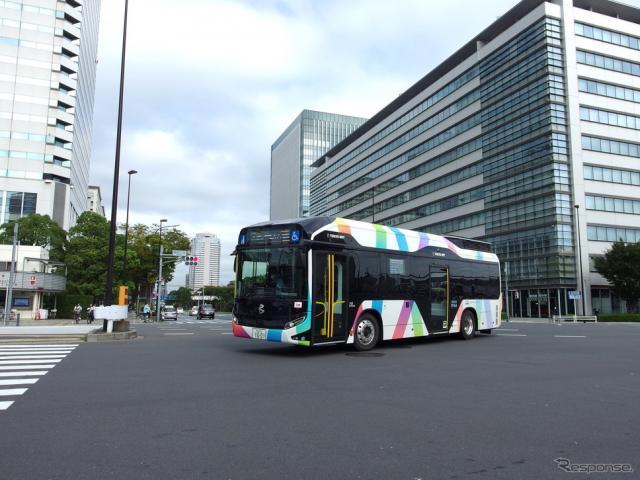 東京BRT(10月12日、晴海3丁目交差点)《写真撮影 高木啓》