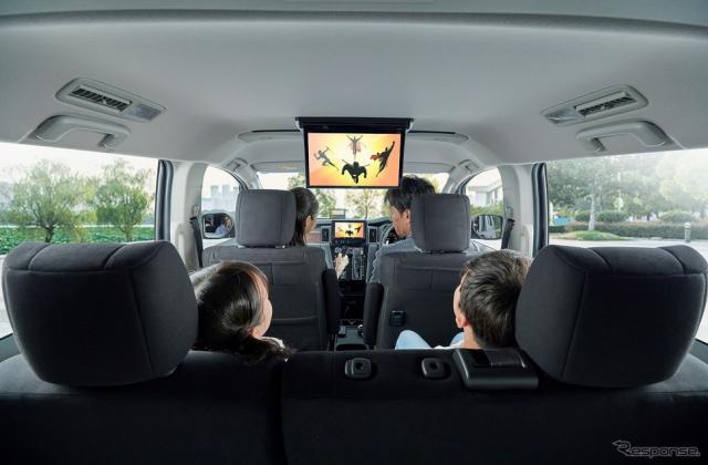 Wi-Fiを利用することで、車内で快適にオンラインコンテンツを楽しめる《写真提供 パイオニア》