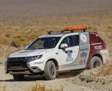 三菱 アウトランダー PHEV 、女性だけで競うラリーで表彰台…米「Rebelle Rally」