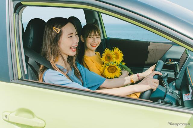 カーシェアと一緒にファッションも利用する「おでかけクローゼット」。トヨタカローラ中京は様々なモビリティサービスを提案する《写真提供 トヨタカローラ中京》