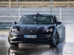 ポルシェ『タイカン』、ギネス世界新記録…EVによる連続ドリフト走行で42.171km