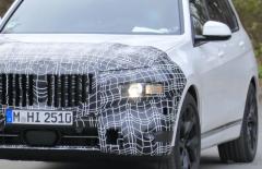 レクサスの新型7人乗りSUVを迎え撃つ!? BMW X7、早くも改良へ着手