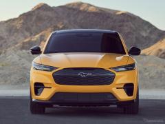 フォード マスタング EVに高性能モデル、480馬力ツインモーター…GTパフォーマンス設定