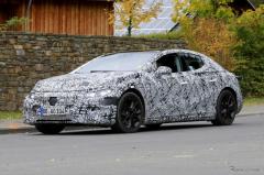 AMGモデルもある!? メルセデスベンツの新型EV『EQE』は2021年登場へ