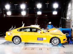 ボルボカーズ、セーフティセンターが設立20周年…EVの衝突テストも準備