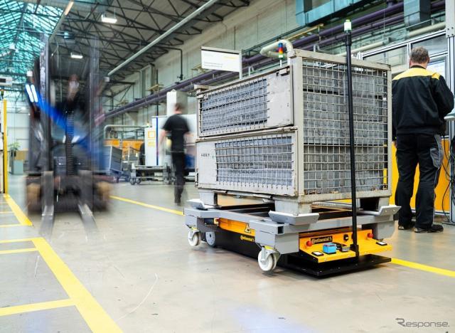 コンチネンタルが開発している工場向け自動運転輸送車両《photo by Continental》