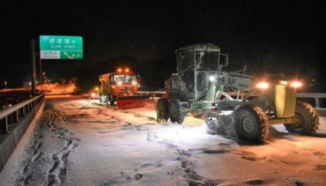 高速道路の通行止め、10路線11区間---北陸地方で滞留車が発生